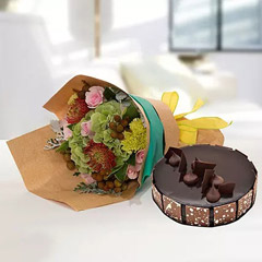 Royal Flower Bouquet With Chocolate Fudge Cake