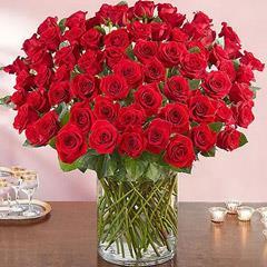 Ravishing 100 Red Roses In Glass Vase