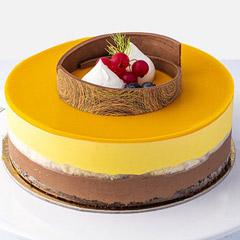 ½ Kg Scrumptious Mango Cake