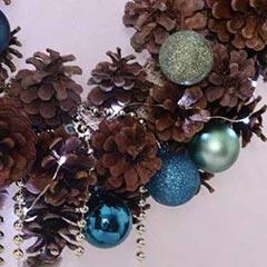 Natural Pinecones Wreath