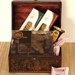 Classic Treasured Box Hamper